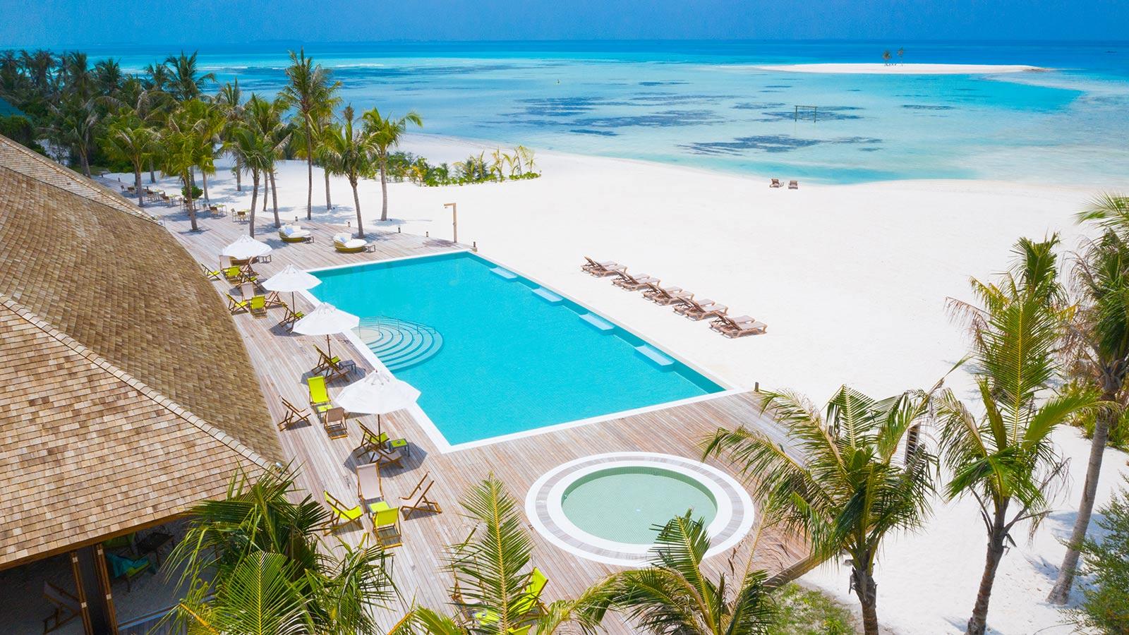 innahura's beach pool