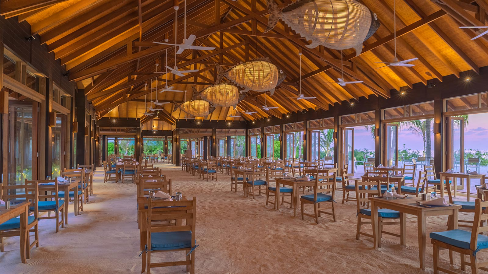 Dhoni Restaurant Maldives Innahura Resort